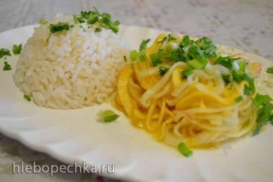 Спагетти из репы с грушей под апельсиновым соусом, и с отварным рисом