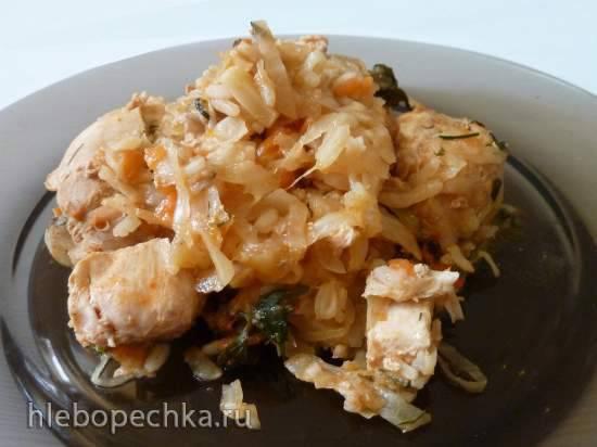 Тушеная капуста с курицей и рисом