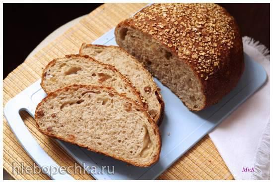 """Овсяный хлеб с корицей и изюмом по рецепту из книги """"Хлеб. Технология и рецептуры"""" Дж. Хамельмана"""