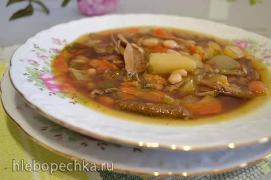 Суп из сушеных белых грибов с белой фасолью Суп из сушеных белых грибов с белой фасолью