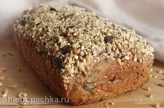 Ореховый цельнозерновой хлеб с семечками