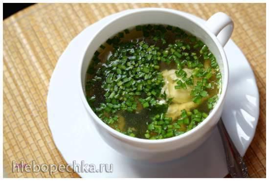 Суп с капустой мизуна и яйцом