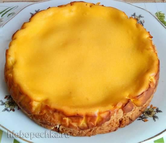 Песочный пирог с абрикосами под творожной заливкой