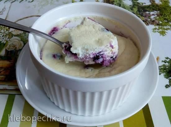 Лёгкое творожно-йогуртовое суфле с черникой