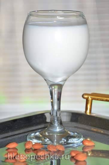 Молоко миндальное в блендере-суповарке Endever SkyLine BS-90