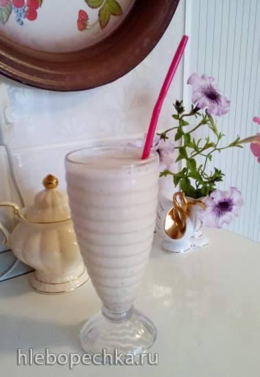 Медово-дынно-ореховый коктейль на основе ряженки