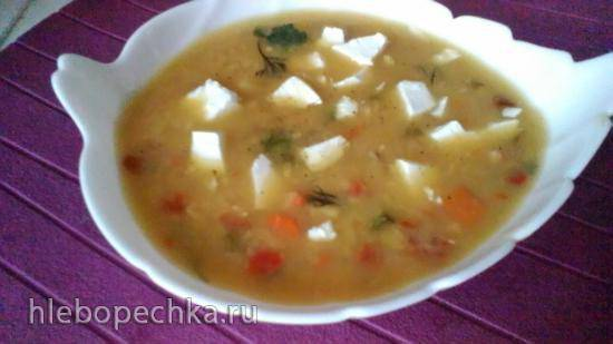 Гороховый суп-пюре с брынзой в медленноварке Kitfort KT 2010