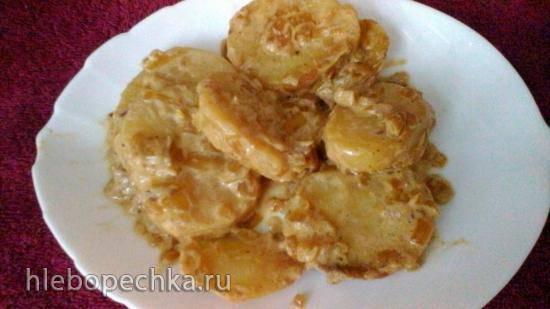Картофель в сметане с луком в медленноварке Kitfort KT 2010