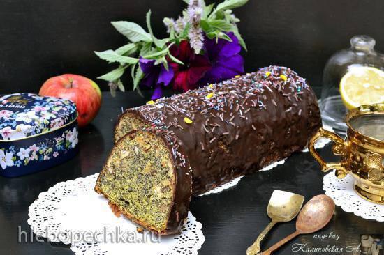 Праздничный польский маковый кекс с орехами и изюмом