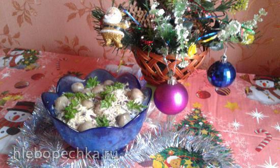 Салат Зимний с красной фасолью, ветчиной и грибами