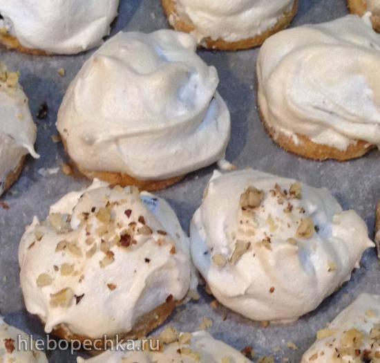 Печенье-пирожное с джемом и меренгой