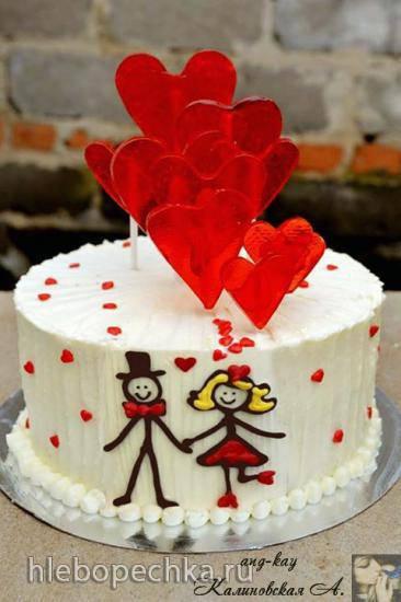 """Бисквитный торт """"Валентинка"""" с малиновым конфи и кремю"""