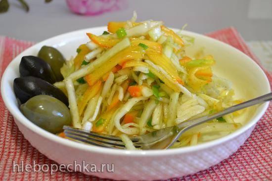 Салат из белокочанной капусты с вяжущей хурмой