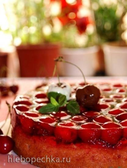 Пирог с черешней и желе