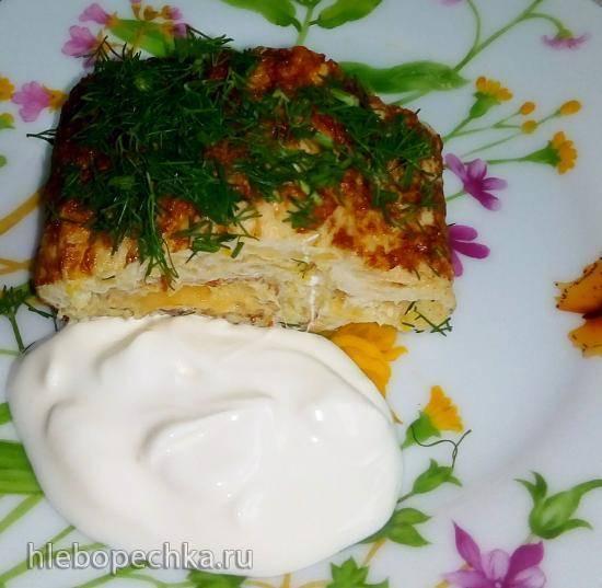 Жареный на сковороде кабачково-яичный рулет