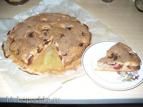 Простой пирог со сливой