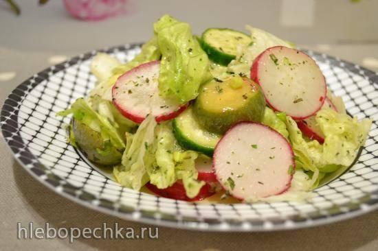 Салат овощной с фейхоа