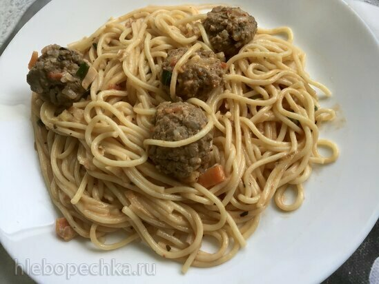 Спагетти под томатно-сливочным соусом с фрикадельками в Ninja® Foodi®