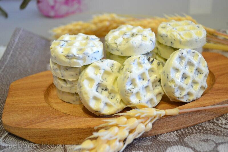 Молочка: молоко, простокваша, творог, сыр, масло сливочное
