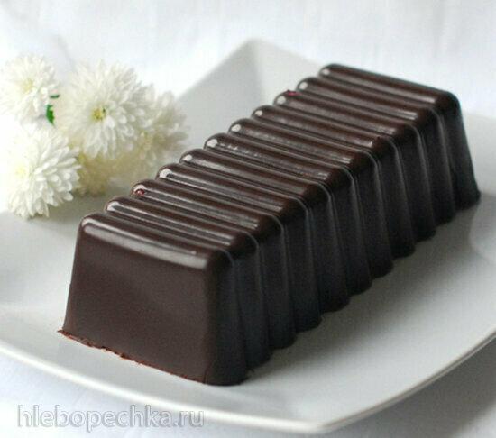 Торт в шоколаде с черничным муссом