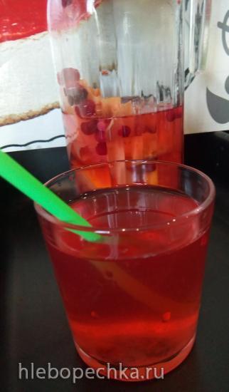 Горячий фруктово-ягодный напиток на основе клюквы