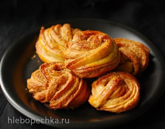 Витые булочки с тахини