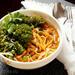Сливочные спагетти с тыквой и чесночной капустой