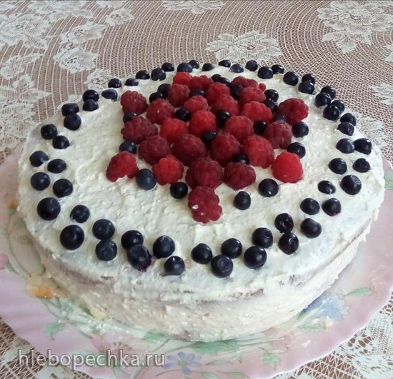 Диетический бисквит и на его основе торт с творожным суфле и ягодами