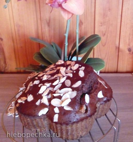 Отмечаем день шарлоток и осенних пирогов шоколадным пирогом с грушами и черносливом