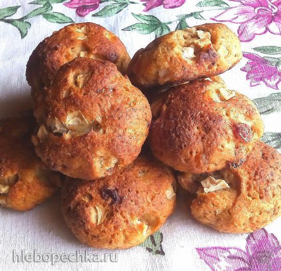 Творожные булочки с цельнозерновой пшеничной мукой, яблоками и изюмом
