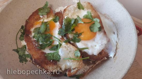 Яйца жаренные в сметане