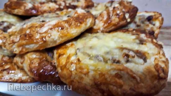 Кольца из теста с говядиной и сыром
