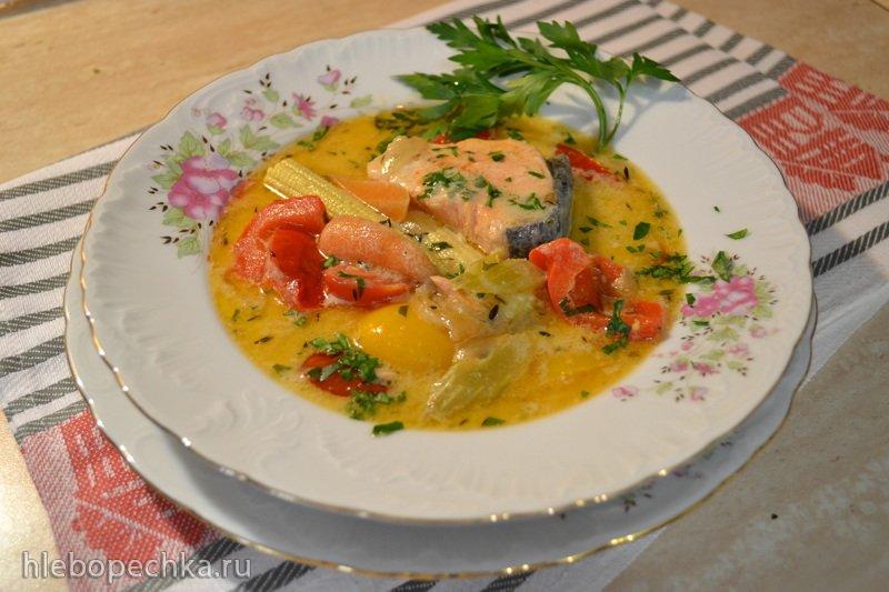 Сливочный овощной суп с форелью на кокосовом молоке