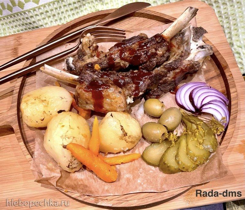 Ребра говяжьи гриллованные с картофельным рагу два в одном в Ninja® Foodi® 6.5-qt.