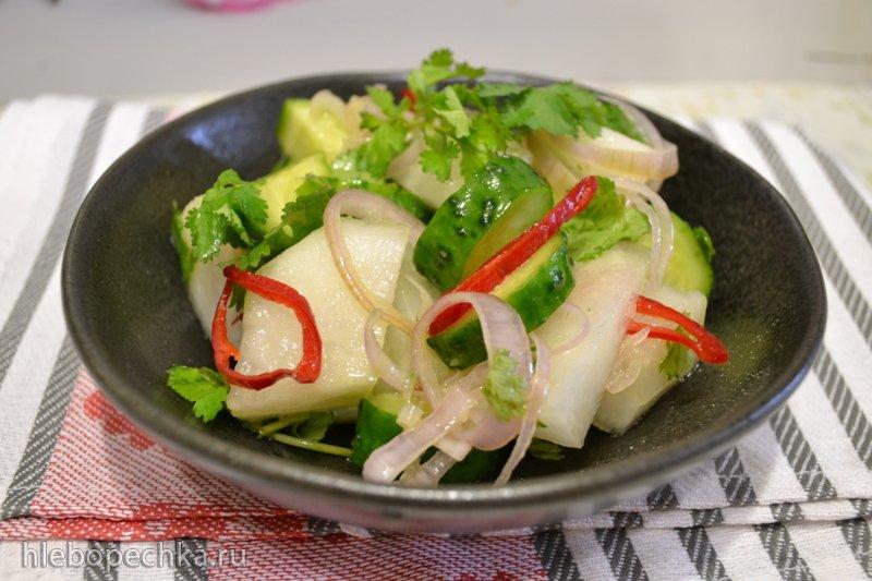 Салат из свежей дыни с огурцом