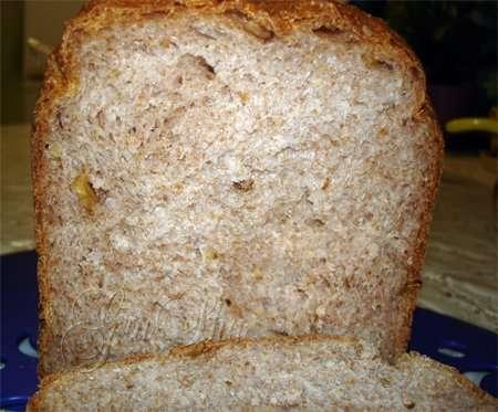 Пшеничный цельнозерновой хлеб с орехами и мёдом