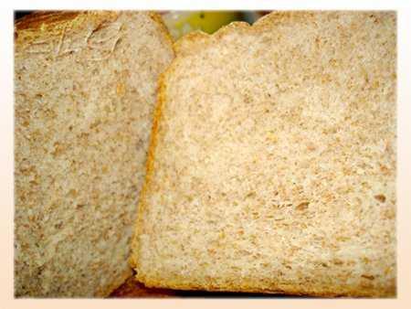 Хлеб пшенично-цельнозерновой 50:50 с отрубями и фруктовым джемом