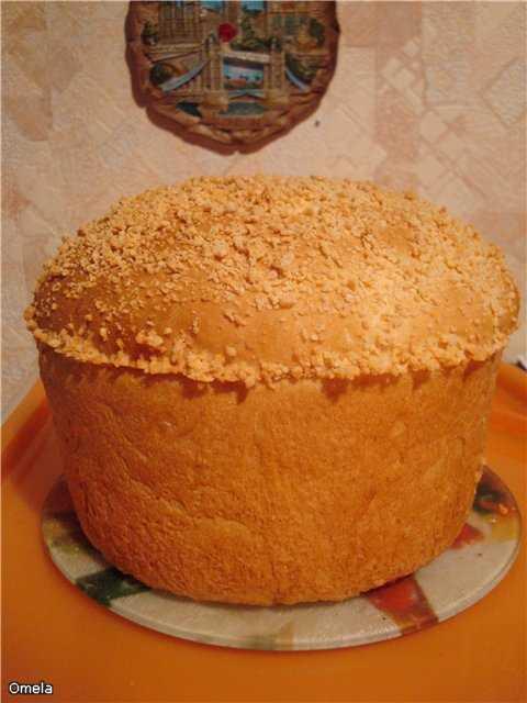 Булочки дрожжевые на пахте Пшенично-кукурузный хлеб на пахте в сырной обсыпке