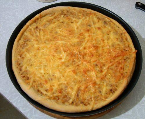 Пицца луковая на тонком тесте (инструкция к Moulinex)