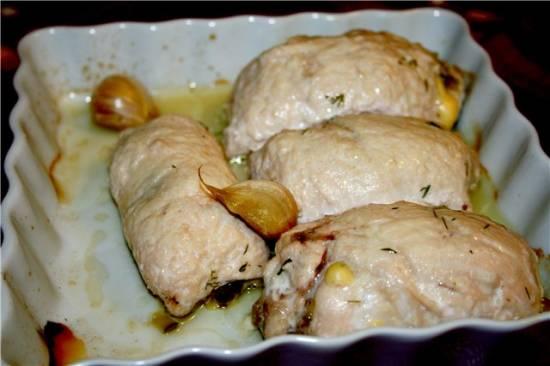 Куриные рулеты под сырным соусом