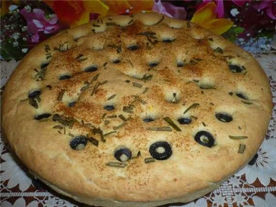 Фокачча с розмарином и оливками