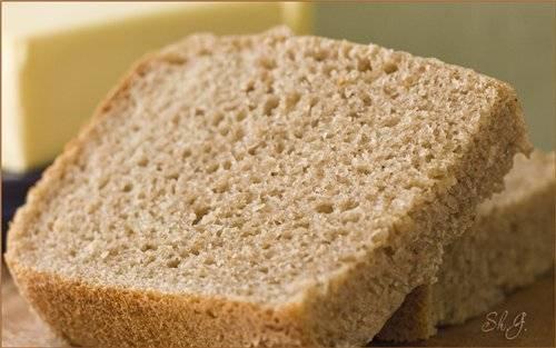 Смешанный хлеб в хлебопечке на закваске