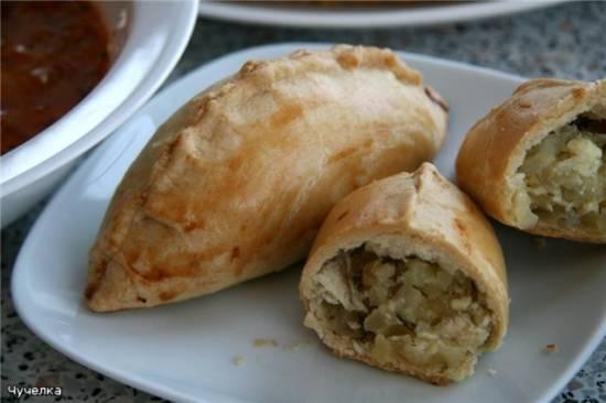 Пирожки с картофелем, фетой и печеным чесноком