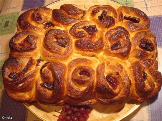 Пирог из булочек «Розарий»