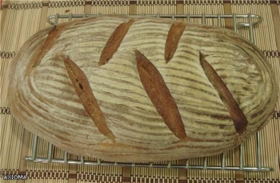 Пшенично-ржаной хлеб на ржаной закваске.