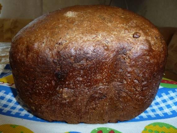Простой чёрный хлеб на закваске