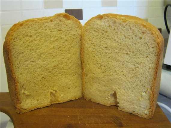 Белый хлеб с печёным яблоком  (хлебопечка)