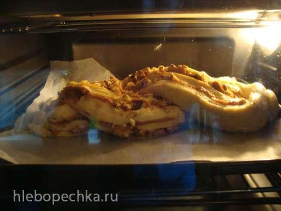 Кранц с варёной сгущенкой и грецкими орехами (на холодном тесте)