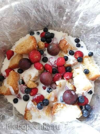 Торт с ягодами в сметанном желе
