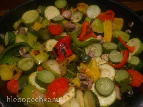 Салат из сезонных овощей, быстрого маринования